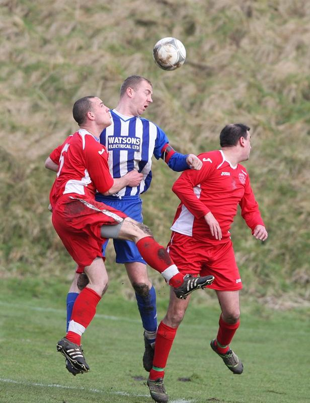 Skipton LMS striker Ian Craven wins a header