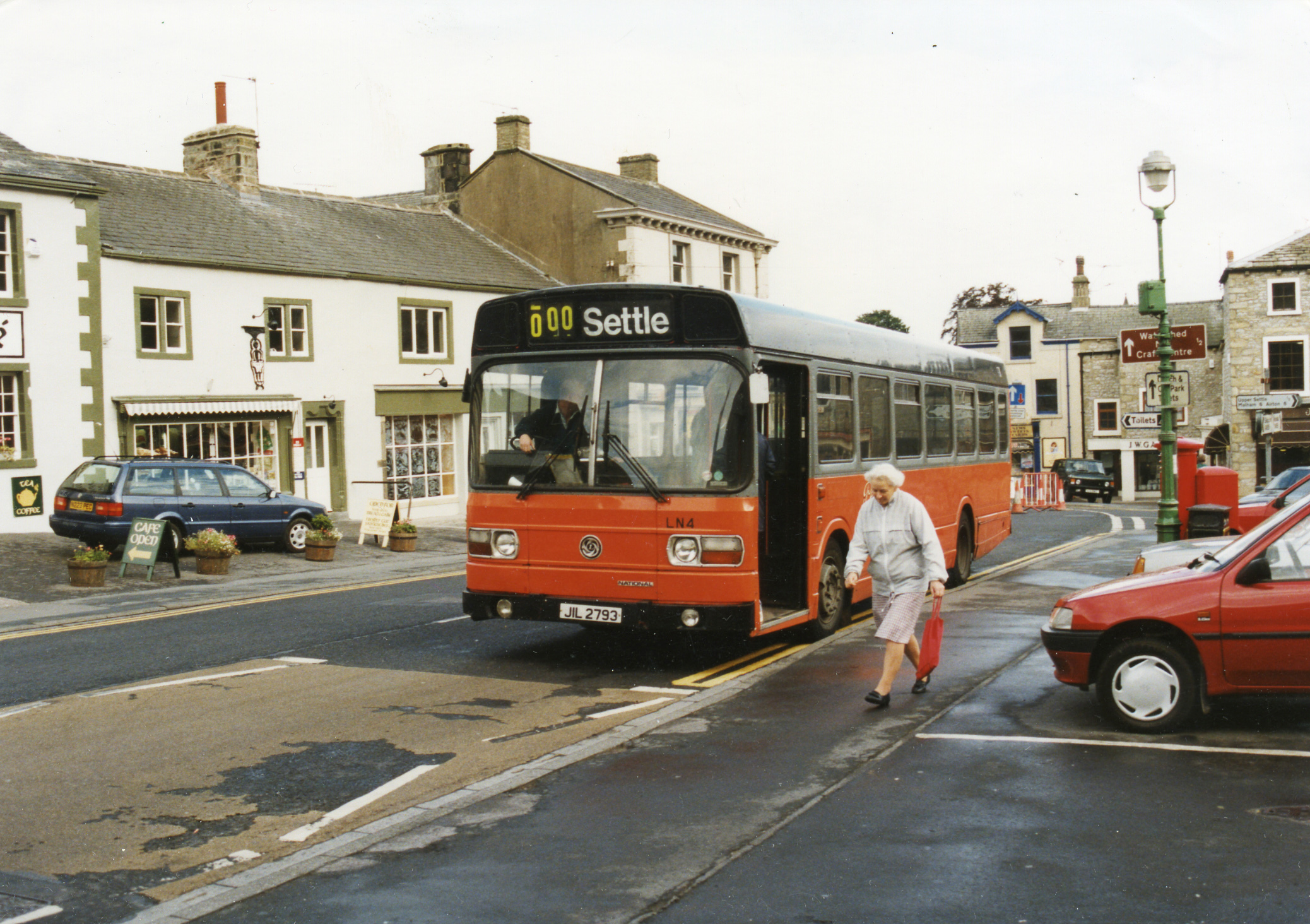 A Pennine bus in Settle