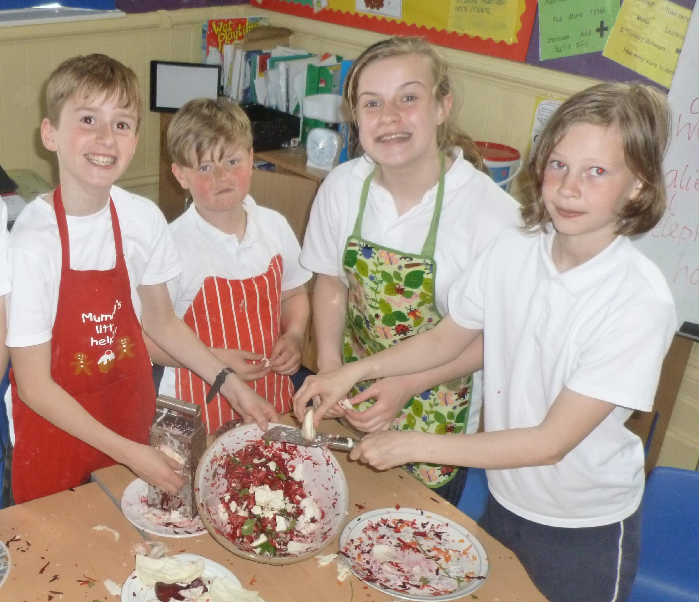 Cowling pupils help to set world cooking record