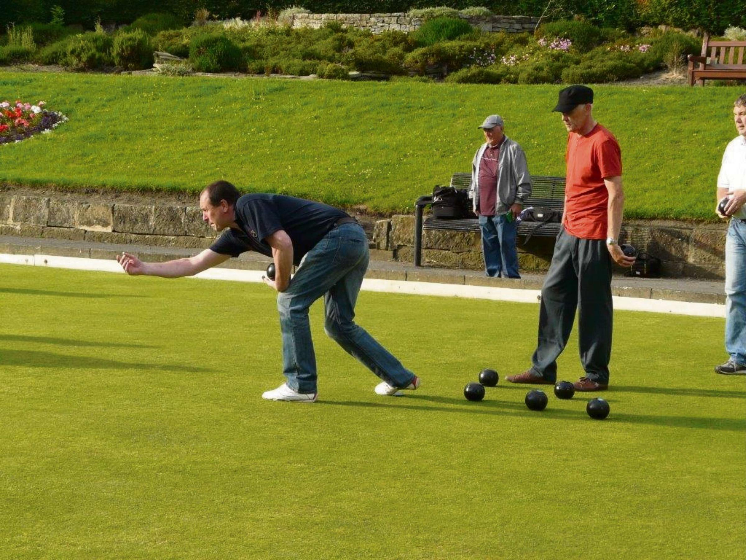 Skipton Veterans are beaten by league leaders Huddersfield