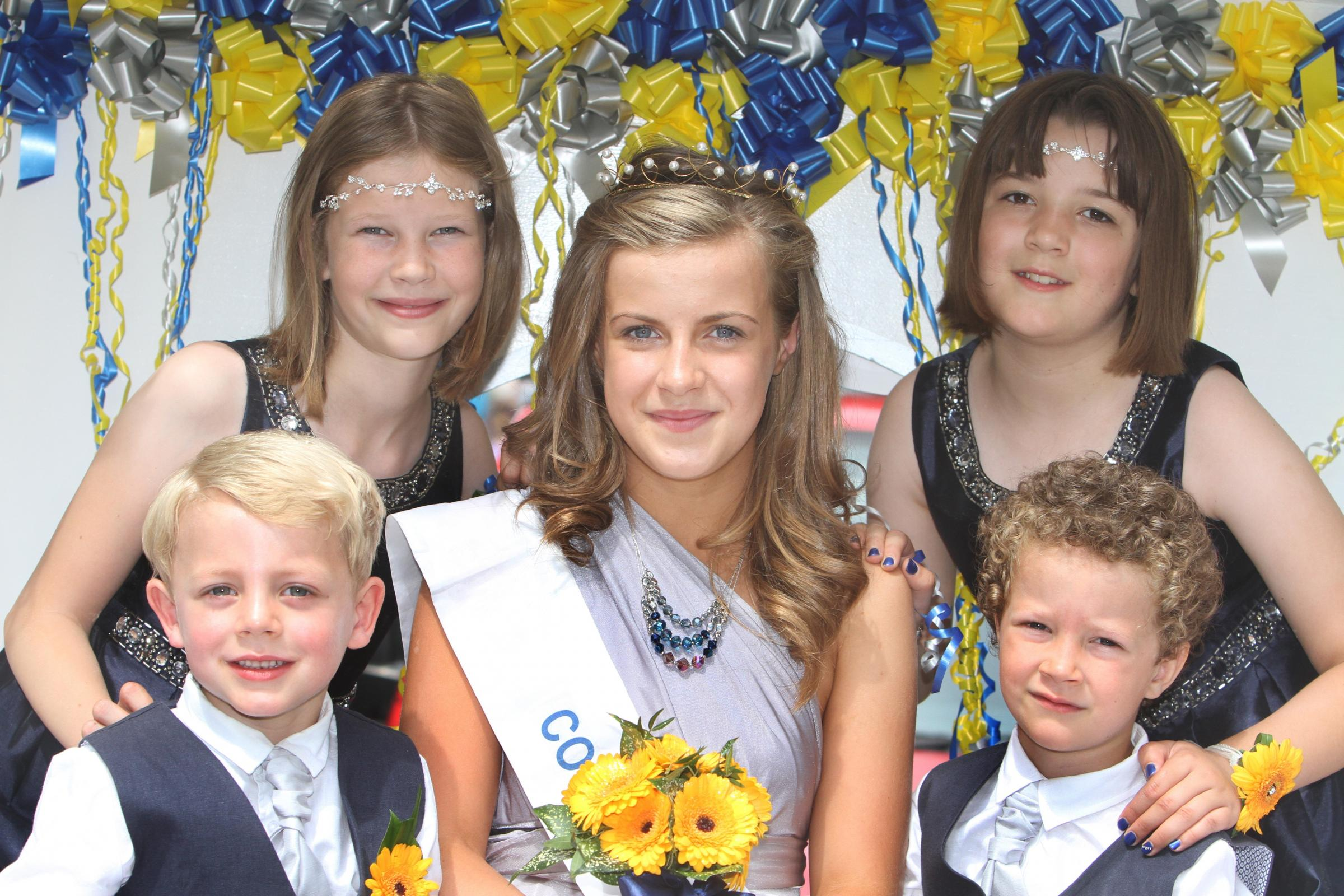 Hundreds party in the sunshine at Cowling Gala