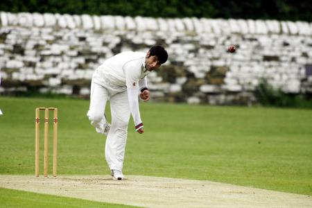 Mahir Ali, better known for his bowling, thrashed 95 off 67 balls for runaway Division Three leaders Horsforth