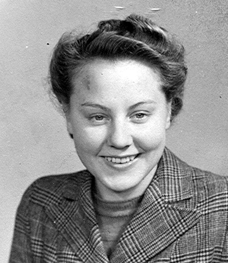 Joan Clarke, widow of Silentnight founder Tom Clarke - 3494314