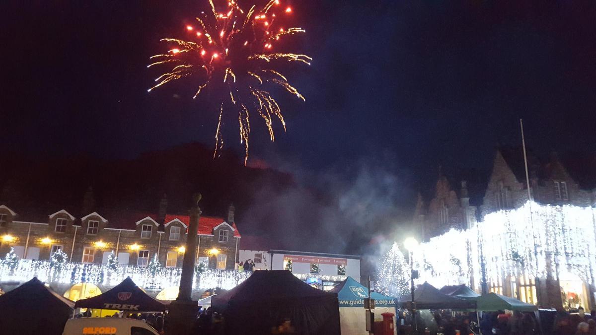 Crowds display festive spirit despite the rain to make Settle's