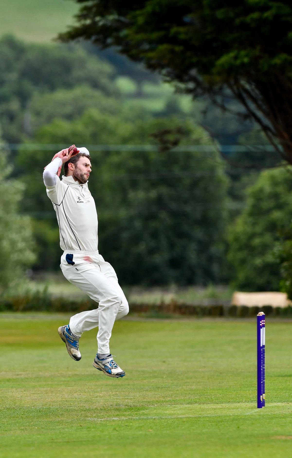 Paul Hardwick took 9-19 as Steeton beat Thackley by ten wickets to send them down