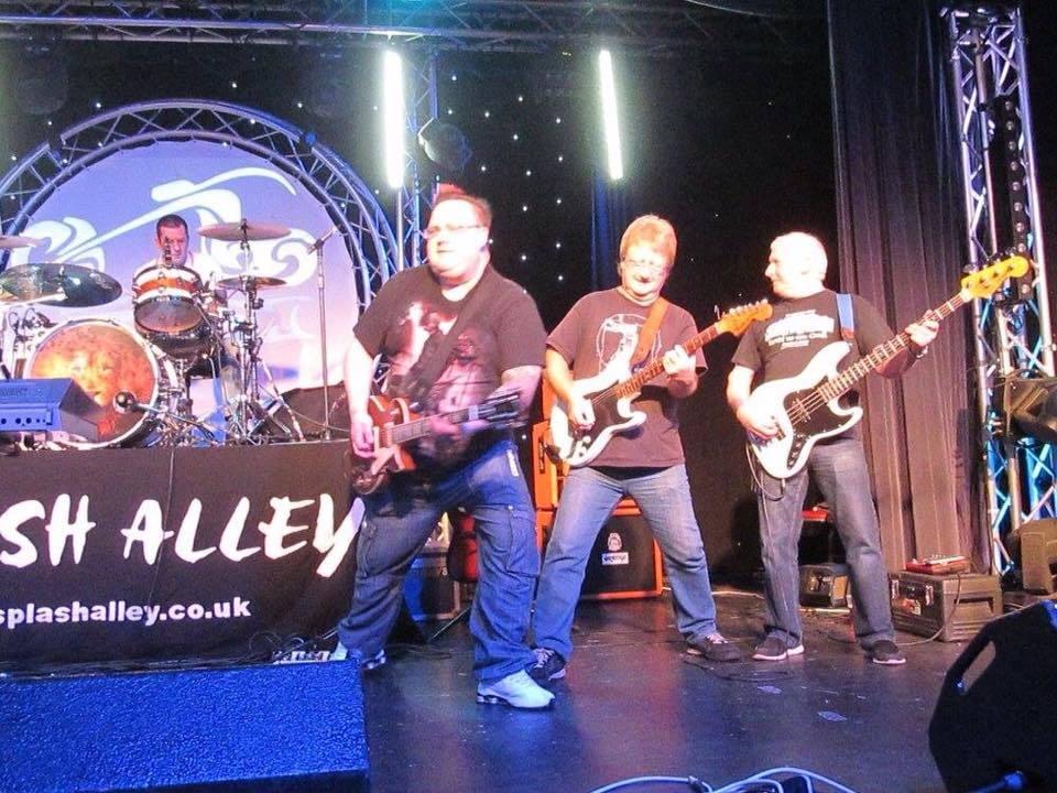 Splash Alley headlining Pontin's in Southport in 2015 at the Original Cruisers Hallowe'en Bikers Club Rally