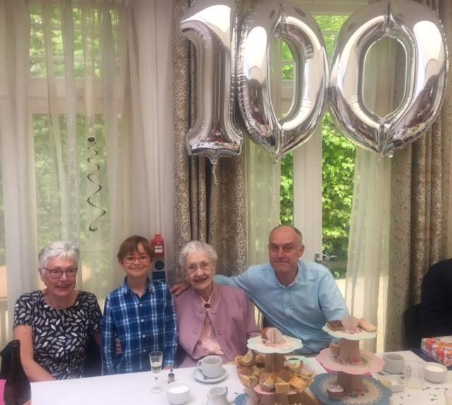 Joy Tomlinson celebates her 100th birthday with daughter Yvonne , Kean and Jimmy Harrison