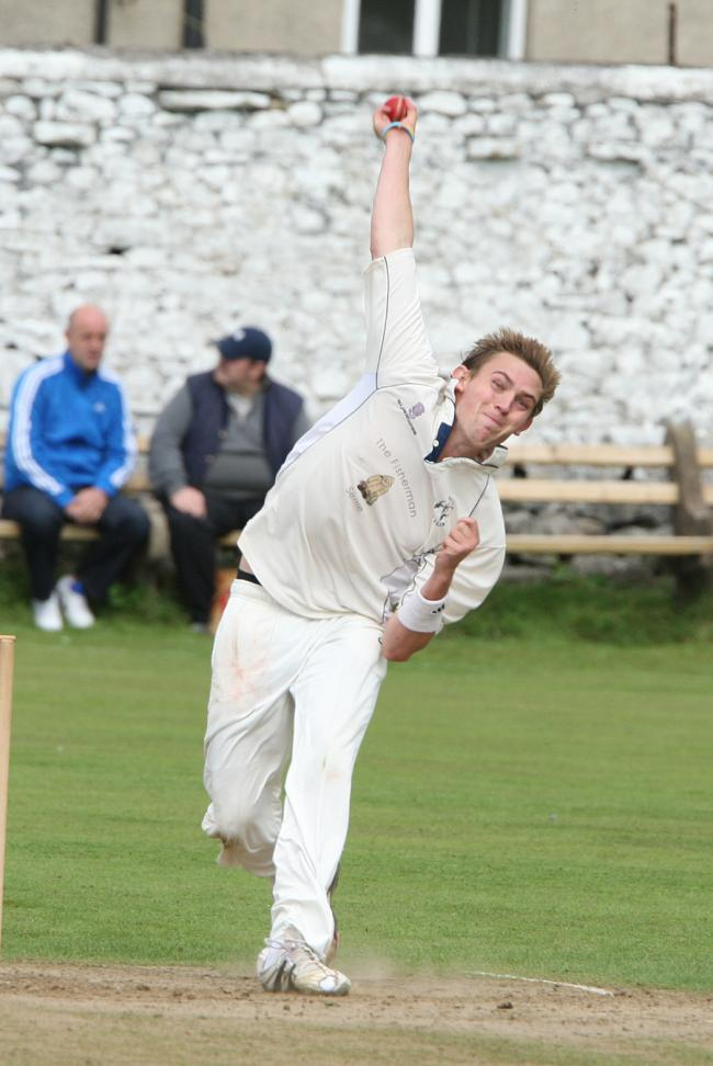 Settle's Eddy Read took seven wickets at Oswaldtwistle on Saturday